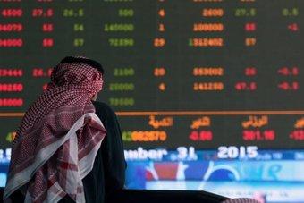 السعودية تقود مكاسب بورصات الخليج وأسهم قيادية تهبط ببورصة مصر