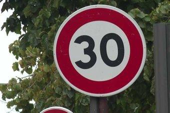 اعتماد 30 كم/ساعة سرعة قصوى في باريس يعزز السلامة لكنه يسبب التأخير