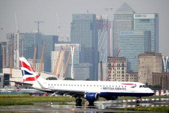 فشل تمديد برنامج الإجازة المفتوحة يهدد آلاف الوظائف في شركات الطيران البريطانية