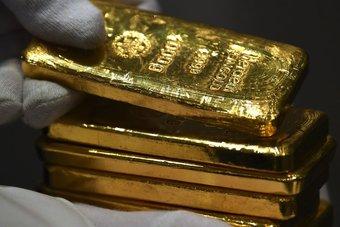 الذهب يستقر مع ترقب المستثمرين بيانات الوظائف الأمريكية