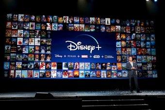 """""""ديزني"""" تتعهد بتقديم أفلامها الجديدة في صالات السينما قبل طرحها على منصتها"""