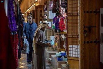 سوق القيصرية .. بُعد تاريخي واقتصادي لأهالي وزوار الأحساء