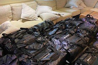 بريطانيا: مصادرة نحو طنين من الكوكايين بقيمة 221 مليون دولار على متن يخت فاخر