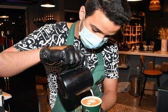 """9.02 مليار ريال إنفاق المستهلكين عبر نقاط البيع في السعودية خلال أسبوع.. منها 1.2 مليار لقطاع """"المطاعم والمقاهي"""""""
