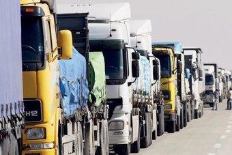 """بدءا من اليوم .. إلزام وسطاء الشحن على الطرق البرية بـ """"وثيقة النقل الإلكترونية"""""""