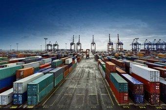 سبارك توقع اتفاقية لإدارة وتشغيل أول ميناء جاف من نوعه يربط مركز الطاقة المتكامل الوحيد في المنطقة بالعالم