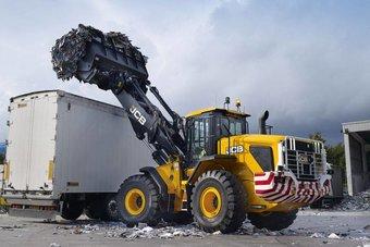 حظر استيراد وإدخال النفايات الخطرة إلى السعودية .. 30 مليون ريال غرامة التخزين أو الحرق