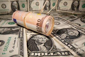 الديون العالمية ترتفع .. هل تطلق الحكومات العنان للتضخم؟