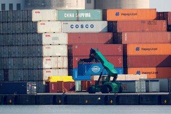 الولايات المتحدة وبريطانيا تناقشان تعزيز التجارة الثنائية وروابط الاستثمار