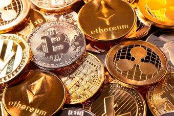 العملات المشفرة تهوي مع اتساع موجة مبيعات في الأسواق