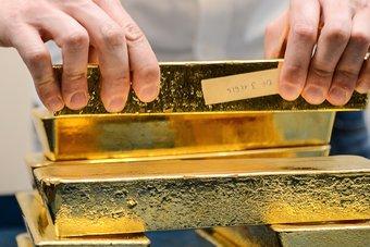 """الذهب يعوض بعض خسائره بفعل المخاوف إزاء """"إيفرجراند"""""""