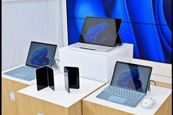 «مايكروسوفت» تطلق 5 أجهزة جديدة على رأسها Surface Duo 2 بنظام أندرويد