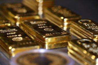 الذهب عند أدنى مستوياته في 6 أسابيع بفعل زيادة عوائد السندات الأمريكية