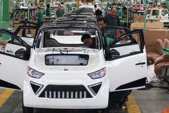 صناعة السيارات .. المركبات الفارهة تنقذ القطاع من الأزمة