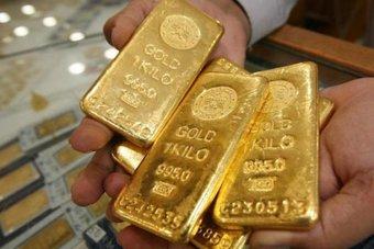 بعد توقف الدولار عن الصعود .. الذهب يتلقى مهلة لالتقاط الأنفاس
