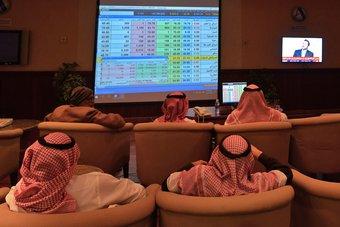الأسهم السعودية توقف سلسلة المكاسب وتغلق على تراجع 25 نقطة