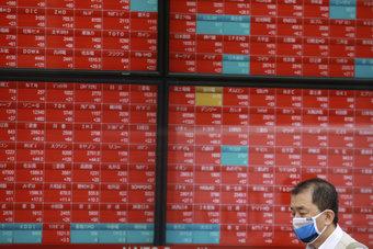 الأسهم اليابانية ترتفع لليوم الثالث مع تراجع الين وآمال إعادة فتح الاقتصاد
