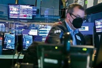 الأسهم الأمريكية تتراجع بفعل مخاوف التضخم
