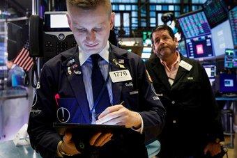 الأسهم الأمريكية تبدأ تداولاتها مرتفعة بدعم من أسهم التكنولوجيا