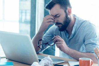 دراسة: قضاء دقيقتين على الإنترنت تجعلك مكتئبا