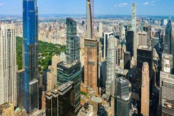 أبراج المكاتب في مانهاتن تحكي قصة من يملك ومن لا يملك