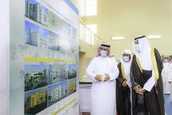 أمير المدينة المنورة يقف على المشاريع التعليمية المنفذة