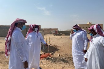 ضمن حملة معالجة التشوه البصري .. رئيس بلدية روضة هباس يتفقد أعمالها