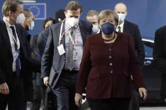 في آخر قمة محتملة لها.. قادة الاتحاد الأوروبي يشيدون بميركل