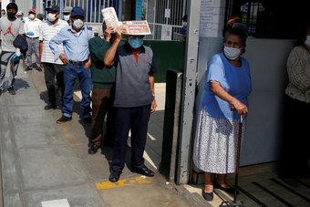 البيرو تتخطى عتبة 200 ألف وفاة بكوفيد