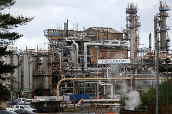 أسعار النفط ترتفع إلى 82.56 دولارا للبرميل