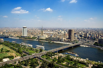 """""""الإمارات دبي الوطني"""": مصر تسعى للحصول على قرض مشترك بملياري دولار"""
